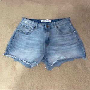 Levi's High Rise Shorts!